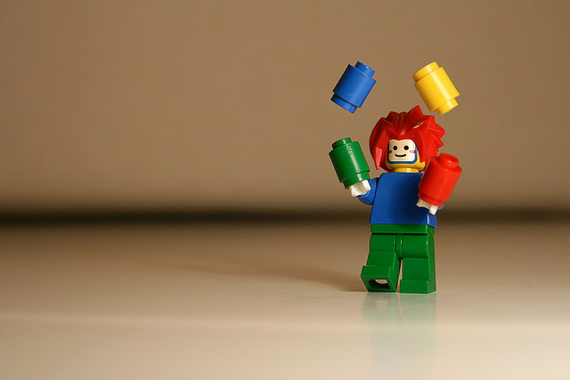 lego-clown-juggling